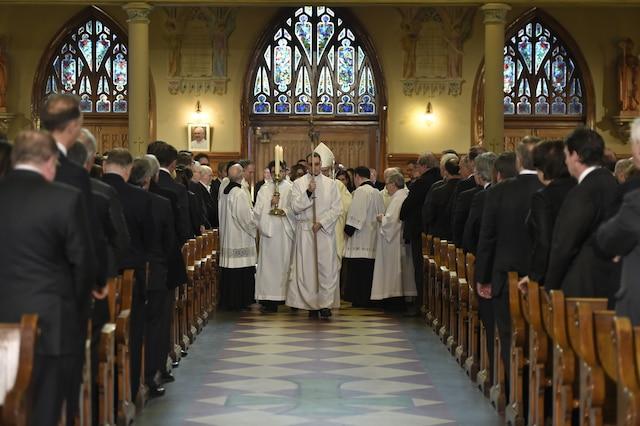 Les funérailles de Jean Lapierre et de sa conjointe Nicole Beaulieu, étaient célébrées ce samedi 16 avril 2016, en l'église St-Viateur d'Outremont à Montréal. JOËL LEMAY/POOL/AGENCE QMI