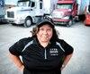 Elba Espinosa, camionneuse et formatrice au Centre de Formation du Routier de Montréal, croit que les femmes sont une des solutions à la pénurie de main-d'œuvre.