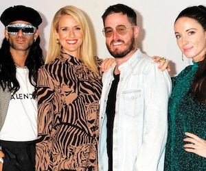 L'animatrice Anouk Meunier, entourée des trois conseillers de XOXO, Cary Tauben, Olivier Primeau et Elisabetta Fantone, qui devront jouer les entremetteurs pour espérer former le couple gagnant.