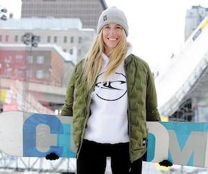 Laurie Blouin aura les amateurs québécois de Big Air à ses pieds durant le jamboree de snowboard et de ski qui se déroulejeudi et samedi.