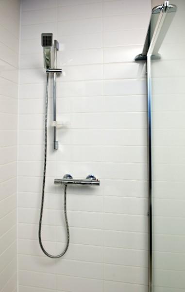 Chacune des unités est dotée  d'un bain podium et d'une douche vitrée.
