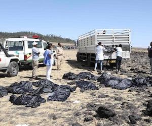 Un Boeing 737 qui effectuait la liaison Addis Abeba-Nairobi s'est écrasé dimanche matin, tuant les 157 personnes qui se trouvaient à bord.