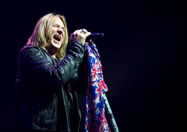 La formation Def Leppard a souligné les 30ans de l'album culte Hysteria, hier soir au Centre Bell.