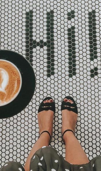 Image principale de l'article L'ultime café où prendre une photo de ses pieds