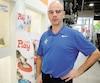 Propriétaire de sept animaleries Dyno sur le territoire de la ville de Québec, Simon Rodrigue a cessé de vendre des chiens en magasin depuis six mois, mais il continuera à vendre des chats, même s'ils se font de plus en plus rares dans ses succursales.