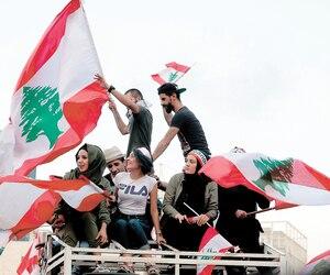 Des milliers de personnes ont manifesté hier dans le centre-ville de Beyrouth.
