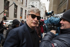L'acteur américain Alec Baldwin à son arrivée au tribunal à New York, hier.