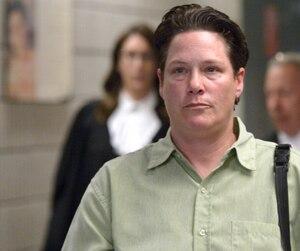 L'ex-agente Stéfanie Trudeau, alias «matricule 728», a par moment fulminé pendant que le magistrat lisait le jugement sur la peine à lui imposer.
