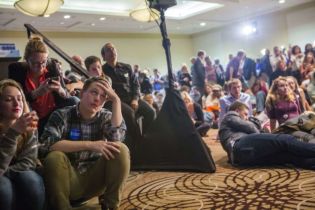 Des supporters démocrates à Philadelphie en Pennsylvanie au Centre Sheraton.  Jessica Kourkounis/Getty Images/AFP