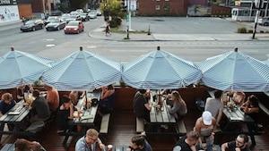 Image principale de l'article Ce bar du Mile-End sert un Negroni avec parmesan