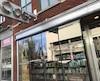 Le salon Ode Salon Styliste a pignon sur rue au centre-ville de Trois-Rivières.