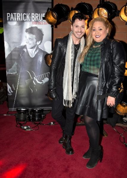 Maxime Proulx et Vanessa Duchel lors du tapis rouge avant le spectacle du chanteur Patrick Bruel au Centre Bell de Montréal.