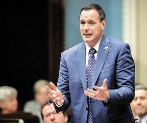 Le projet de loi du ministre de l'Éducation, Jean-François Roberge, prévoit la fin descommissions scolaires, qui seront remplacées par des centres de services.