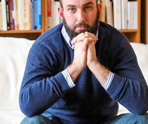 Vingt ans après avoir vaincu un premier cancer, Julien Levac doit à nouveau se battre contre une tumeur. Il a décidé de lancer une fondation parce que «l'argent est le nerf de la guerre.»