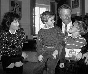 Jean-Paul L'Allier était marié depuis 32 ans à Johanne Mongeau. Ils ont eu deux garçons, Simon et Marc-Antoine.