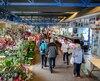 Les marchands permanents du Marché du Vieux-Port, à Québec, «mangent leurs bas tout l'hiver», dénoncent nos sources. Une fois l'été arrivé, ils peuvent se faire «tasser» par des producteurs maraîchers qui ont le choix des emplacements.