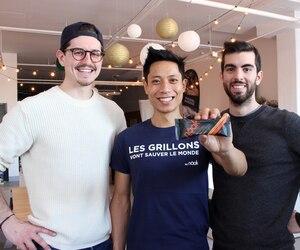 Les trois cofondateurs des barres énergétiques Näak à base de poudre de grillon: Antoine Domergue, William Walcker et Minh Pham.