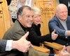 Le PDG du Club Med Henri Giscard d'Estaing, la ministre Caroline Proulx et l'homme d'affaires Daniel Gauthier lors de la conférence de presse sur la construction du nouveau Club Med Québec Charlevoix au Massif de la Petite-Rivière-Saint-François, hier.
