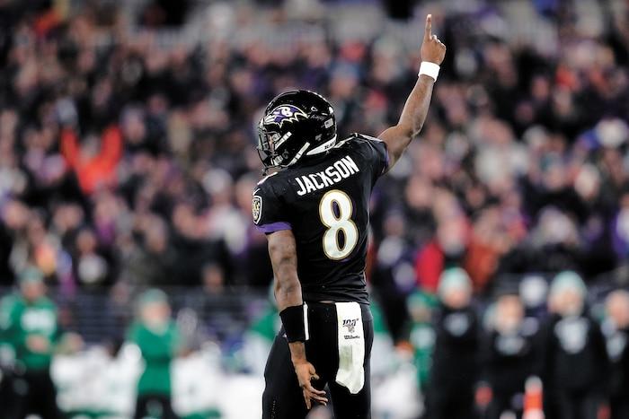 Lamar Jackson s'est hissé parmi les meilleurs joueurs de la NFL cette saison, devenant le nouveau modèle chez les quarts-arrières.