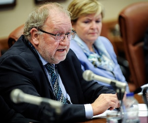 Le patron du Centre des services partagés du Québec, Denys Jean, devait répliquer hier en commission parlementaire aux constats de la Vérificatrice générale. Il n'a pas caché son désarroi devant les lacunes de son organisation.