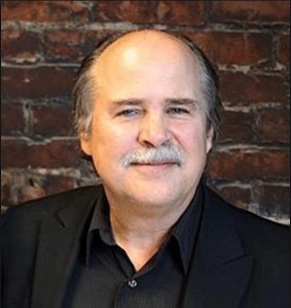 Micheal Mehaffy, consultant, urbaniste, planificateur urbain, chercheur et auteur ayant mis en place le projet Orenco Station à Portland, en Oregon.