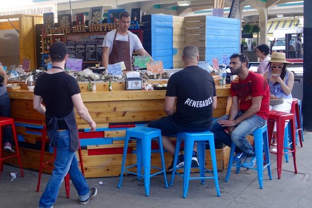 La boîte aux huîtres au Marché Jean-Talon.