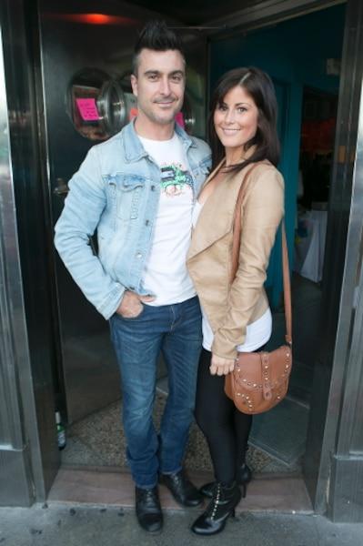 Jonathan Painchaud, accompagné de sa copine Hélène Grimard, lance un nouvel album le 15 octobre. «Je suis en fin de production. Je sors justement du studio.»