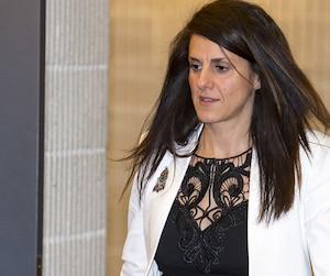 Djemila Benhabib, ici au palais de justice de Montréal hier, dit que les passages du Coran enseignés aux enfants avaient un caractère «extrêmement violent, misogyne et sexiste».