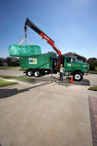 L'entreprise procède ensuite à la cueillette du Bagster à l'aide d'un camion équipé d'un bras articulé. Il est important de choisir un endroit sur votre propriété qui sera à la portée du camion.