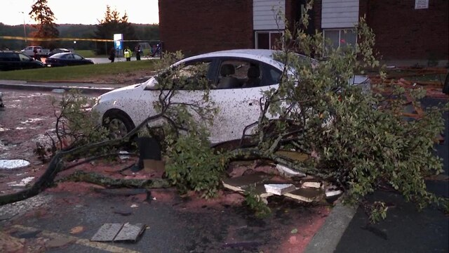 Environnement Canada considère que la ville de Gatineau a été frappée par une tornade vendredi après-midi le 21 septembre 2018. Selon les premiers indices, elle pourrait être de catégorie 2 sur l'échelle de Fujita. CAPTURE D'ÉCRAN / TVA NOUVELLES / AGENCE QMI