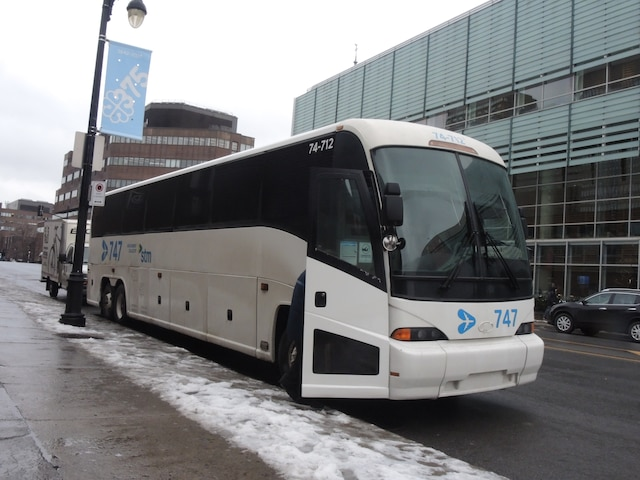 Les autocars circuleront finalement jusqu'au 8 janvier, la STM n'ayant pas reçu la totalité des 25 nouveaux autobus.