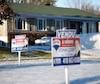 La Fédération des chambres immobilières du Québec (FCIQ) prévoit une autre hausse des taux hypothécaires d'ici la fin de 2018. Selon la Fédération, la hausse des taux à cinq ans pourrait atteindre entre +0,25% et +0,50%.