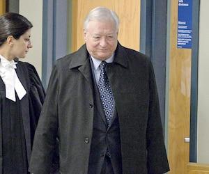 L'ex-maire Gilles Vaillancourt dirigeait un vaste stratagème de partage des contrats et de ristournes en argent comptant, selon la Couronne.