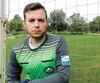 L'arbitre Gustavo Arango a posé hier sur un terrain de soccer, à Sherbrooke.