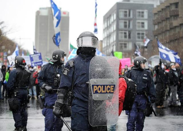 Les policiers étaient nombreux hier.