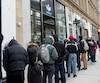 Malgré la bourde linguistique du gérant du magasin Adidas mercredi, ils étaient plusieurs à faire la file, rue Sainte-Catherine à Montréal, pour faire des emplettes dans le magasin fraîchement rénové.