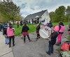 La trentaine d'occupants étaient appuyés de plusieurs manifestants venus les supporter sur les terrains appartenant au gouvernement fédéral sur la rue Pierre-Martin, dans Sainte-Foy.