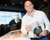 L'ancien joueur des Alouettes Étienne Boulay a lancé son autobiographie lundi à Montréal.