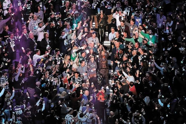 Le chanteur s'est même retrouvé au milieu d'une foule enthousiaste.