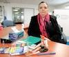 Corinne Payne, présidente de la Fédération des comités de parents du Québec, n'est «plus capable» d'entendre les «promesses en l'air» du ministre de l'Éducation, Sébastien Proulx.