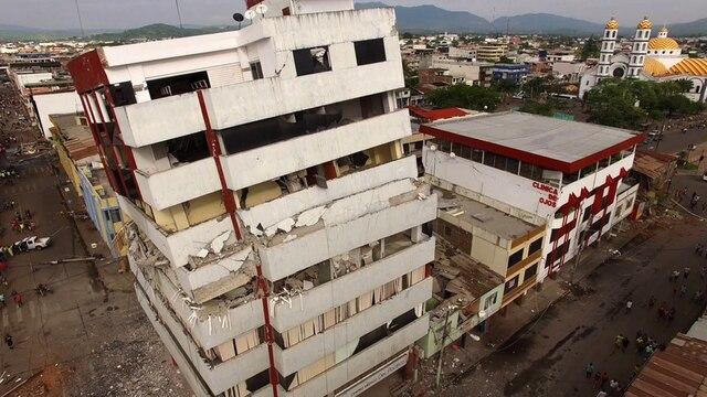 La ville de Portoviejo a été survolée par des drones au lendemain du séisme, présentant des images frappantes du chaos qui l'a frappée.