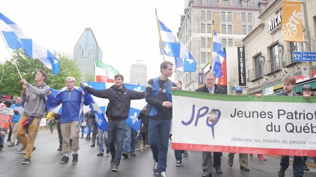Moins de 300 manifestants ont pris part à la marche des patriotes cette année.
