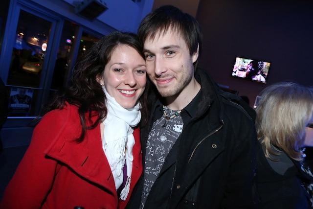Un autre qui en fait voir de toutes les couleurs aux spectateurs, Luc Langevin, qui est avec sa conjointe Marie-Luce Gervais.