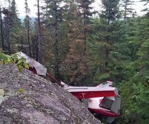 En plus du pilote, cinq touristes se trouvaient dans l'habitacle. L'une des victimes serait Émilie Delaitre, une Française vivant en Côte d'Azur.