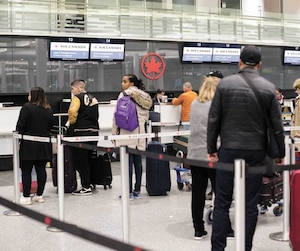 Les clients d'Air Canada mal à l'aise à l'idée de voler sur un de ses 737 MAX 8 pouvaient changer de vol sans frais mardi à Montréal.