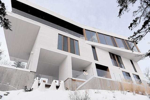 La passion du propriétaire pour la voile a inspiré la conception de cette luxueuse résidence.