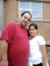 Manuel Oliva s'inquiète du temps d'utilisation d'internet de sa fille Anna, 11 ans.