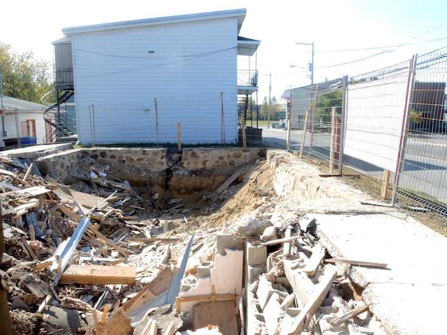 La maison de la famille Dion à Charlemagne a été démolie durant la matinée de vendredi dernier.