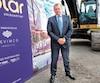 Serge Goulet, président de Devimco Immobilier, lors de la cérémonie de la pelletée de terre de la première phase du projet Solar Uniquartier à Brossard, en août 2017.