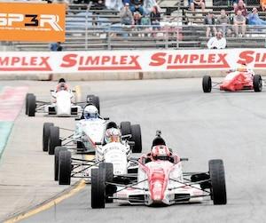 Olivier Bédard, Zachary Vanier, Didier Schraenen et Bertrand Godin ont animé les débats en F1600.